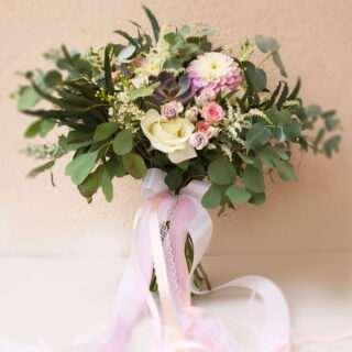 buchet nunta in culori pastelate