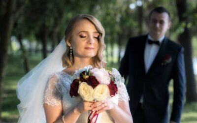 Nuntă accente bordo